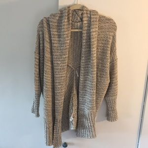 Like new! Slouchy free people sweater! Super cozy!